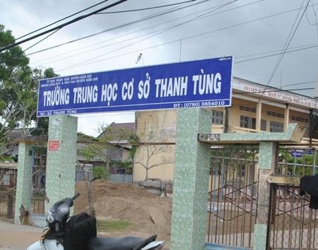 Trường THCS Thanh Tùng, nơi Hiệu trưởng bị tố mở cổng phụ để độc quyền đi lại và bán hàng.