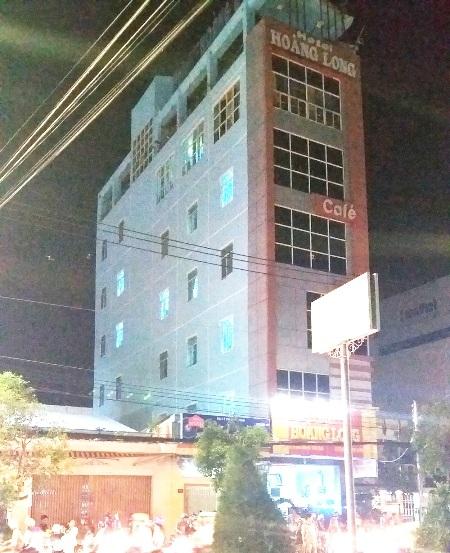 Khách sạn Hoàng Long, nơi xảy ra vụ việc.