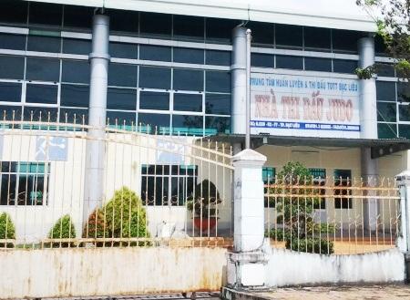 Tại Trung tâm HL&TĐTDTT Bạc Liêu giai đoạn 2011-2014 do ông Nguyễn Văn Hà làm Giám đốc, từ các môn judo, quần vợt, bóng chuyền, bi sắt,... cái gì cũng bị ăn tiền một cách trắng trợn.