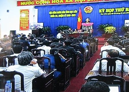 Kỳ họp cuối năm của HĐND tỉnh Bạc Liêu nóng với nhiều vấn đề về giao thông, tài nguyên môi trường, y tế,...