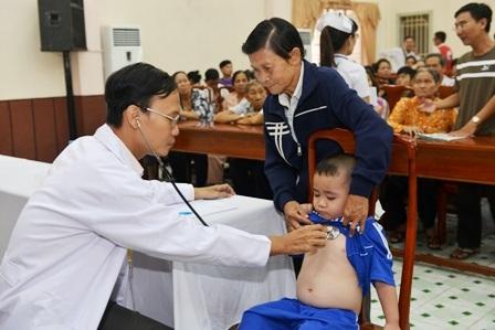 Từ ngày 13/11, các bệnh nhi sẽ được khám tầm soát để thực hiện cuộc mổ miễn phí