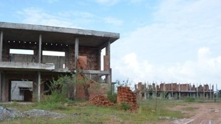 Những công trình bỏ hoang trở thành đại bản doanh của muỗi