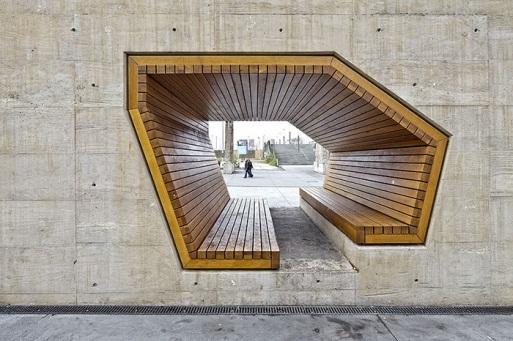 Một chiếc ghế băng khác như mô hình 3D đặt tại thành phố Luxembourg, do kiến trúc sư Alleswirdgut tạo nên.