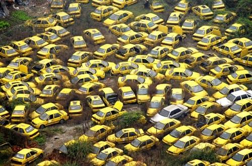 """""""Nghĩa trang"""" xe taxi ở Trùng Khánh"""