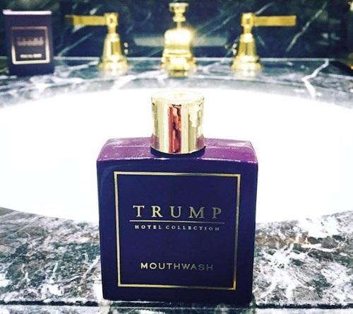 Du khách có thể thấy mọi sản phẩm bên trong đều mang thương hiệu Trump.