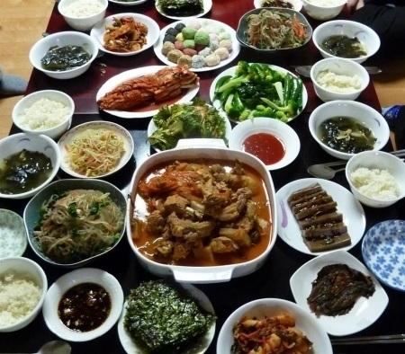 Những quy tắc ăn uống đặc biệt ở các quốc gia trên thế giới - 6