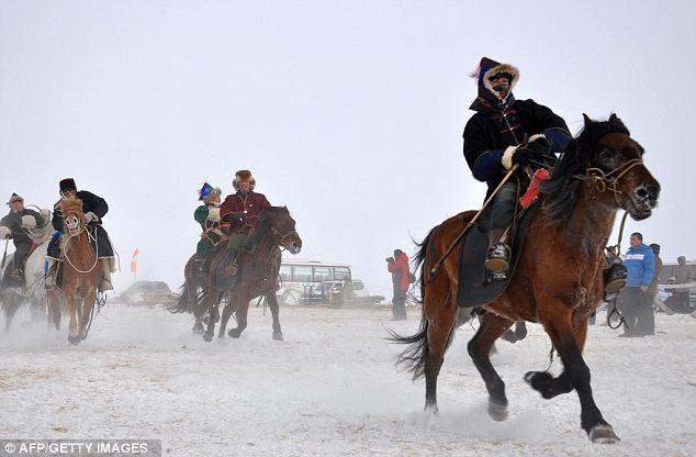 Vó ngựa trên thảo nguyên