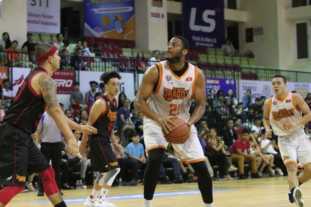 Joly Rudolphe thi đấu xuất sắc, giúp Đà Nẵng Dragons bất ngờ đánh bại Sài Gòn Heat