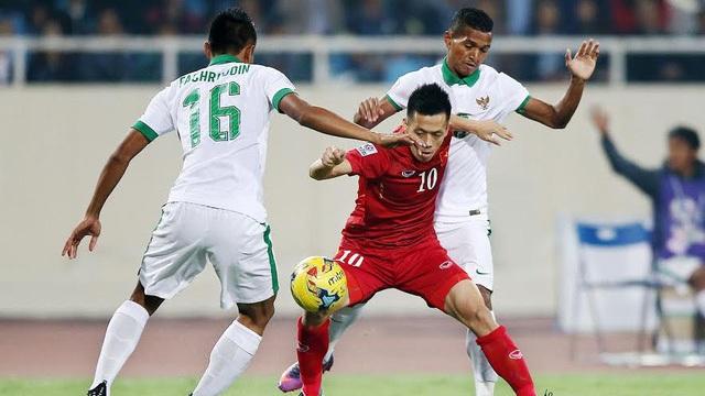 Đội tuyển Việt Nam bất ngờ ghi 2 bàn sau khi chơi thiếu người...