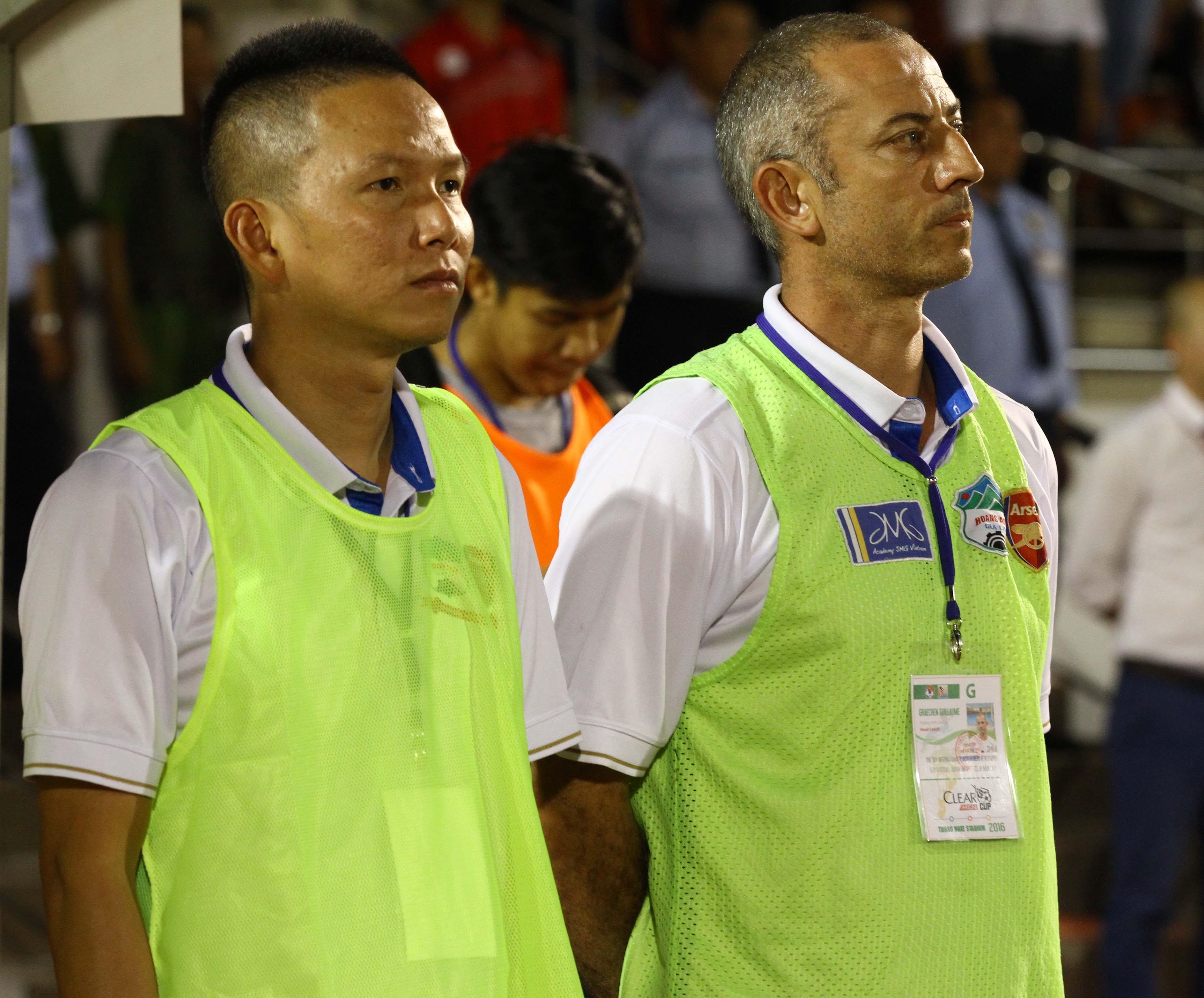 HLV Graechen Guillaume (phải) - ảnh: Nguyễn Đình