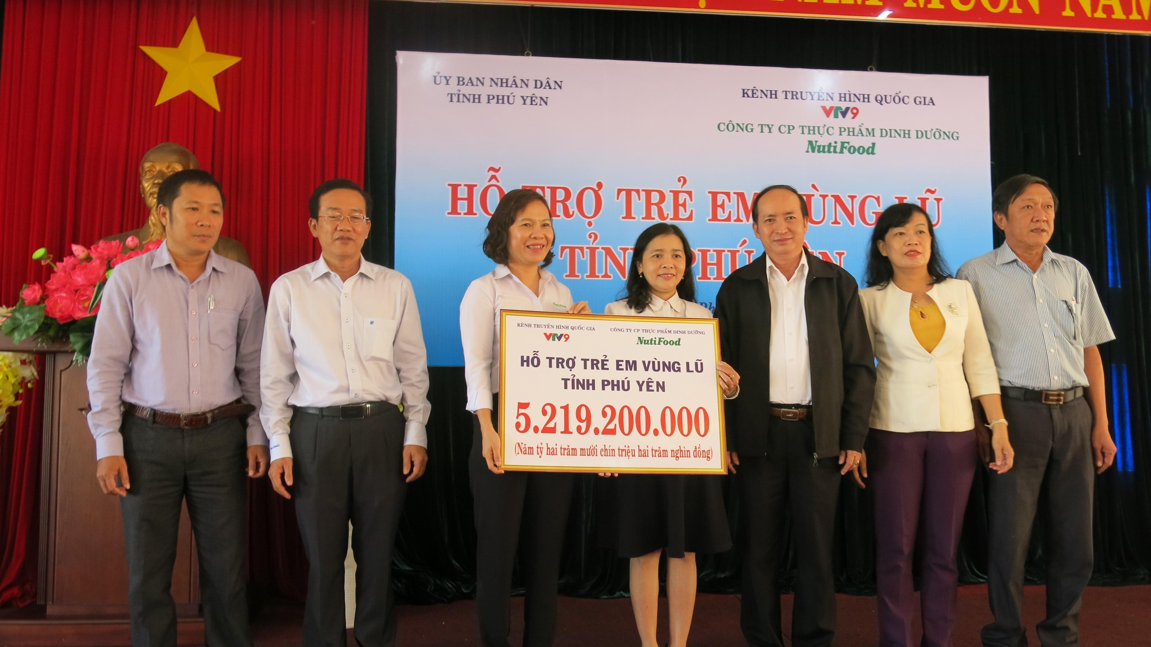 NutiFood hỗ trợ 5,2 tỷ đồng cho tỉnh Phú Yên - 1