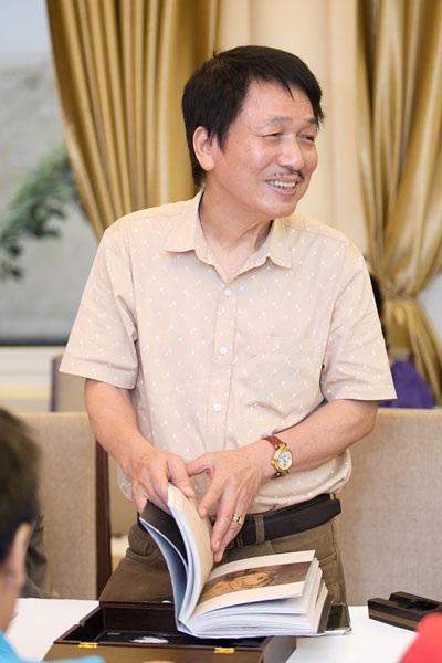Phú Quang nói, ông mê văn thơ từ nhỏ nhưng sau này ông lại trở thành... nhạc sĩ. (Ảnh: Hải Bá)
