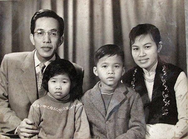 Nhạc sĩ Nguyễn Đức Toàn và gia đình năm 1957 (Ảnh St)