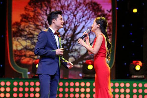 Hồng Nhung là nữ ca sĩ giúp Quang Dũng học hỏi được nhiều điều...
