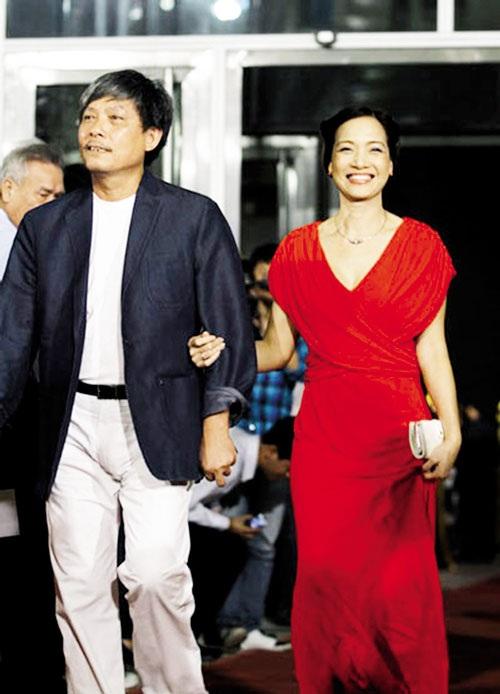NSND Lê Khanh: Tôi và Phạm Việt Thanh may mắn hơn những cặp đôi khác khi yêu lý tưởng nghệ thuật của nhau, cùng nhau dìu dắt đến ngày hôm nay.