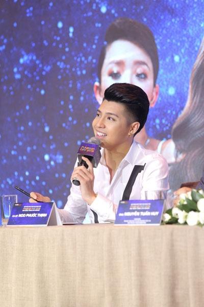 Noo Phước Thịnh tại buổi họp báo ra mắt FunRing Day 2016 – Noo Phước Thịnh Live Concert ngày 19/10.
