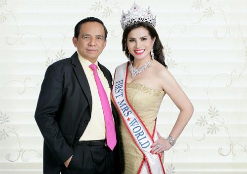 Hoa hậu Quý bà Kim Hồng kết hôn với doanh nhân Lê Hoàng Châu năm 2010. Sau 5 năm gắn bó, cả hai quyết định chia tay trong êm đẹp.
