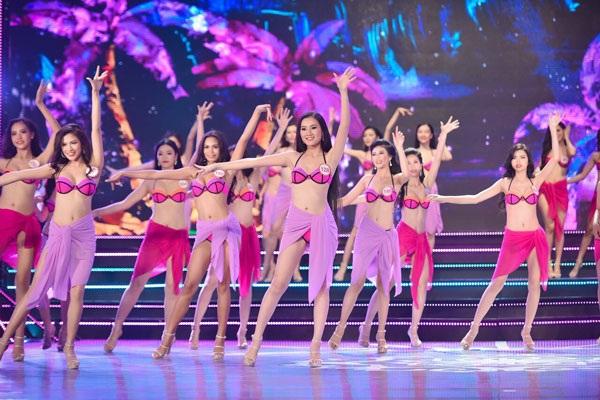 Thí sinh Hoa hậu Việt Nam 2016 trong phần thi trình diễn bikini (Ảnh minh họa)