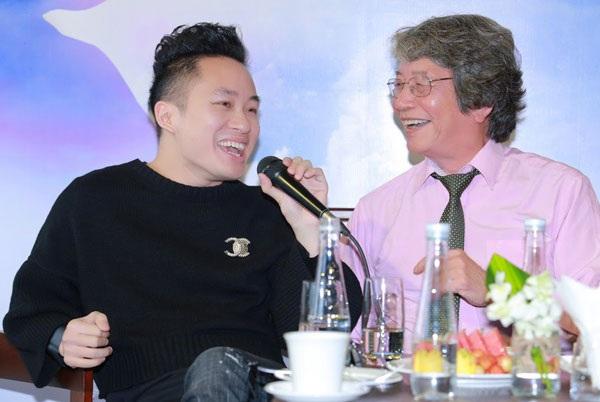 Nhạc sĩ Phó Đức Phương và ca sĩ Tùng Dương tại buổi ra mắt liveshow Trên đỉnh Phù Vân mới đây tại Hà Nội.