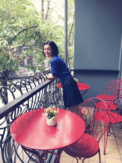 Cuộc sống hiện tại của người đẹp Hoàng Xuân rất bận rộn với công việc kinh doanh làm đẹp, đóng phim và chăm sóc con cái.