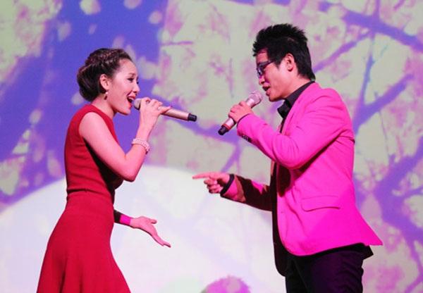 Sau nhiều giận dỗi, Hà Anh Tuấn đã thuyết phục được Phương Linh đứng chung sân khấu trong liveshow lớn đầu tiên trong đời diễn ra giữa tháng 12 tới.