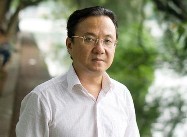 Nhà thơ Hồng Thanh Quang tiếc thương trước sự ra đi của giọng ca nam đẹp nhất thuộc thế hệ của mình...