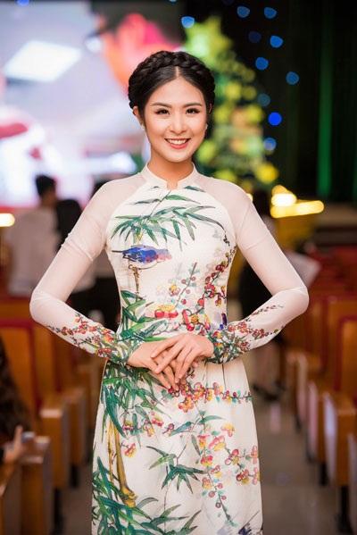 Tố Như khoe sắc bên hoa hậu Ngọc Hân - 1