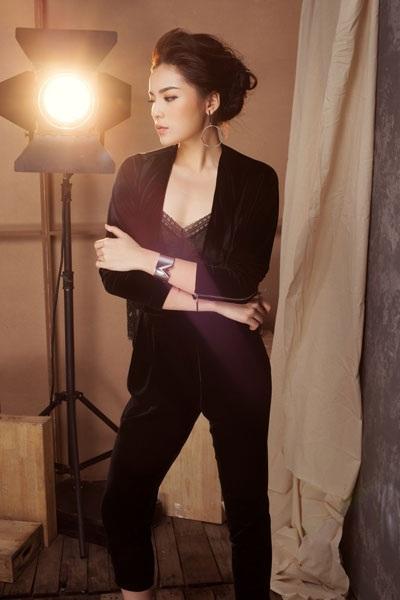 Trước đây, Kỳ Duyên chưa được đánh giá cao về gu thời trang. Nhưng rồi theo thời gian, người đẹp gốc Nam Định càng ngày càng tỏa sáng về sắc vóc cũng như cách ăn mặc.