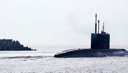 Tàu ngầm kilo 185 – Đà Nẵng thực hiện thử nghiệm trên biển, ngày 17/12/2014. Ảnh: Ruspodplav