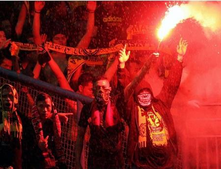 Báo chí Malaysia chất vất LĐBĐ nước này về tình trạng Hooligans