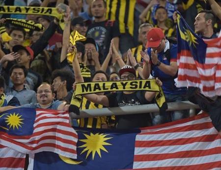 Cách hành xử của CĐV Malaysia chính là sự phản chiếu hình ảnh đất nước này