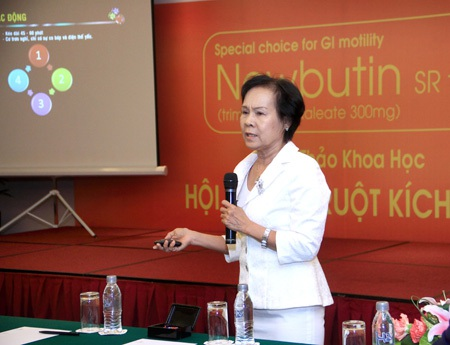 Diễn giả thuyết trình tại hội thảo