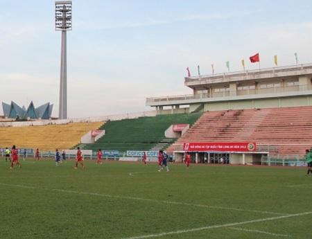 Gạch sẽ không tăng giá vé trước trận tiếp Gỗ trên sân Long An