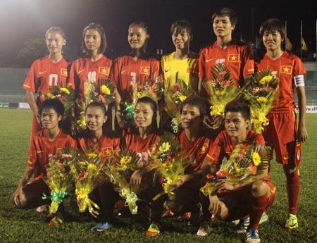 Đội tuyển nữ Việt Nam rơi vào bảng dễ tại giải vô địch Đông Nam Á 2015 (ảnh: Kim Điền)