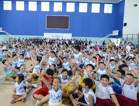 Đông đảo thiếu nhi Việt Nam hào hứng hưởng ứng chương trình này