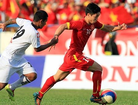 Ngay đến Công Phượng (10) còn chưa chăc suất đá chính ở đội tuyển U23 Việt Nam (ảnh: Gia Hưng)