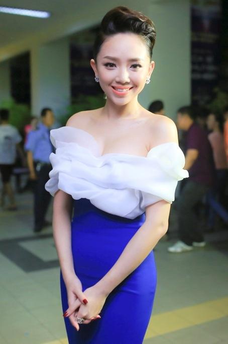 Tóc Tiên xuất hiện với hình ảnh xinh đẹp rạng rỡ