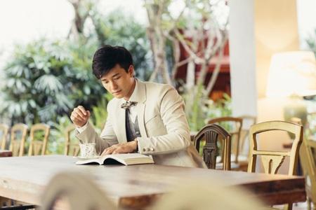 """Vì có vẻ ngoài mang hơi hướng """"Hàn Quốc"""", Huỳnh Anh thường được so sánh với Lee Min Hoo và Kim Bum."""