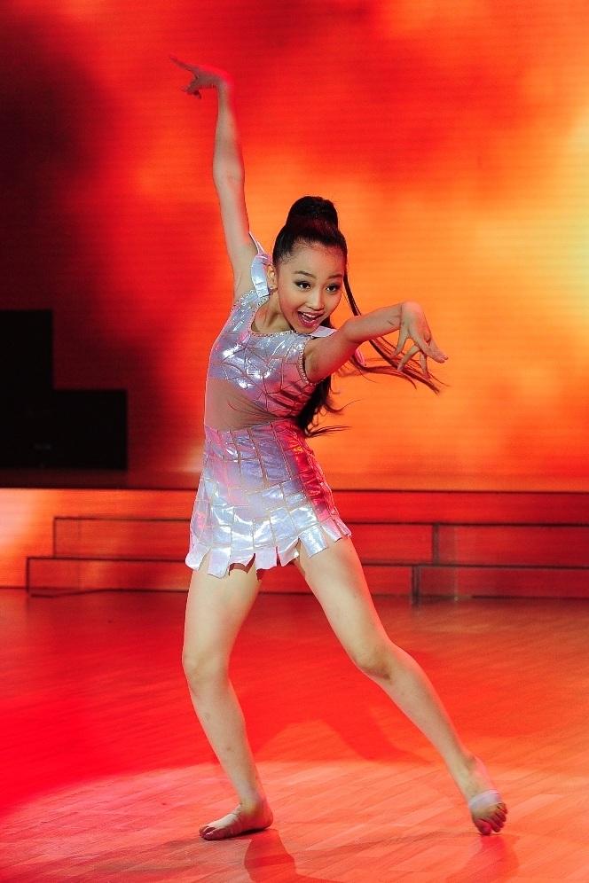 Thí sinh cuối cùng trong đội của Đoan Trang – Hà Lê là Đinh Ngọc Bảo Châu.