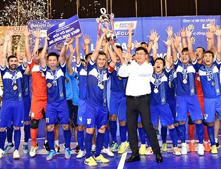 Thái Sơn Nam vô địch giải các đội mạnh 2015 (ảnh: Quang Thắng)