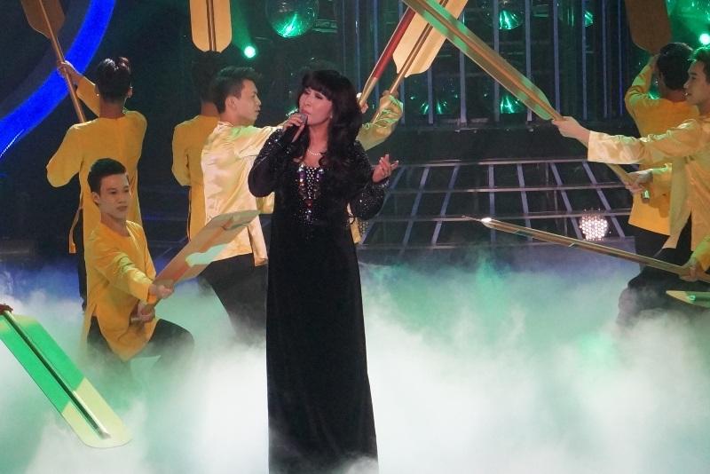 Ngọc Liên hóa thân thành ca sĩ Hương Lan với ca khúc