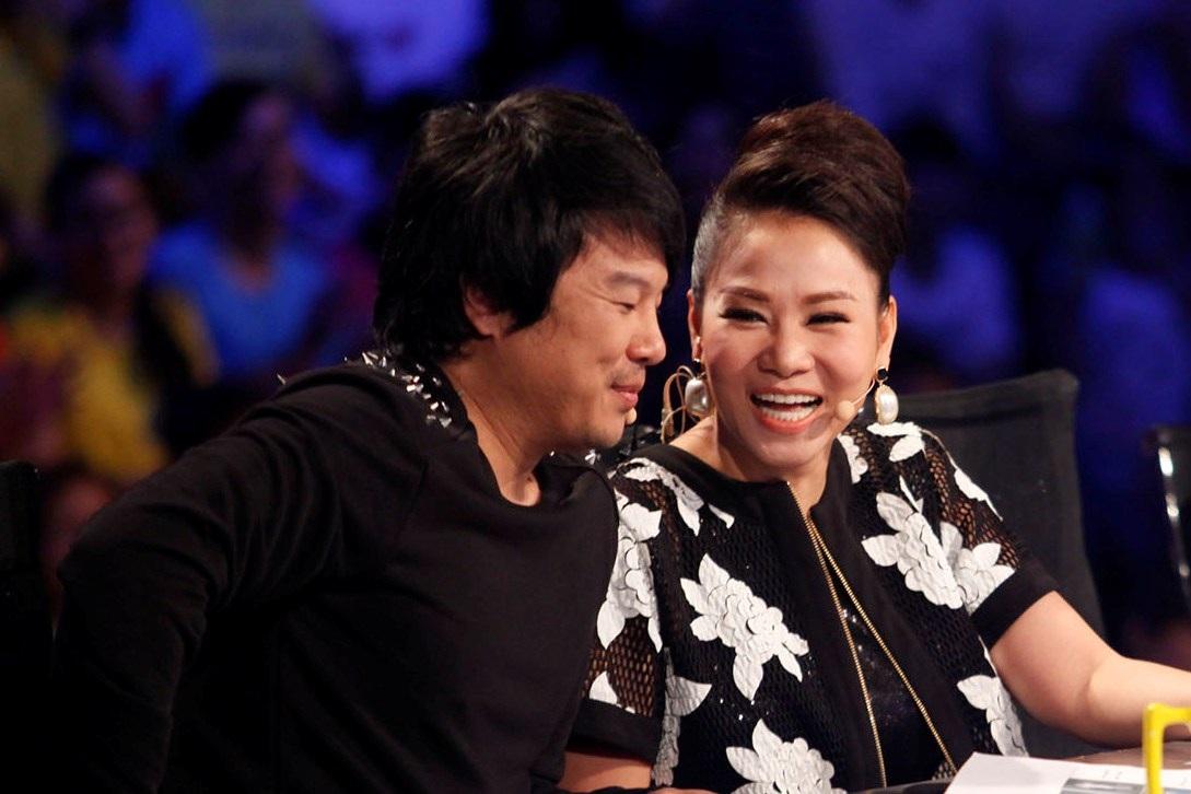 Thu Minh nói đùa rằng cô muốn bỏ về vì bị Bích Ngọc và Trọng Hiếu cướp bài hits