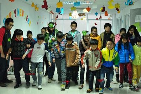 Trẻ cần được học mà chơi, chơi mà học (ảnh: Thảo Nguyên)