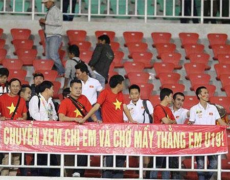 Người hâm mộ thất vọng với U23 Việt Nam (ảnh: Hà Nguyên)
