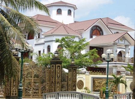 Biệt thự của ông Trần Văn Truyền (ảnh: Minh Giang)