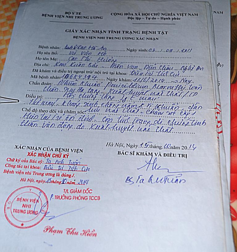 Bệnh án của bệnh viện xác nhận bệnh tật của cháu Vũ Cao Hà An.