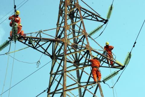 Mối lo EVN...phá sản: Đừng chỉ so giá điện với thế giới