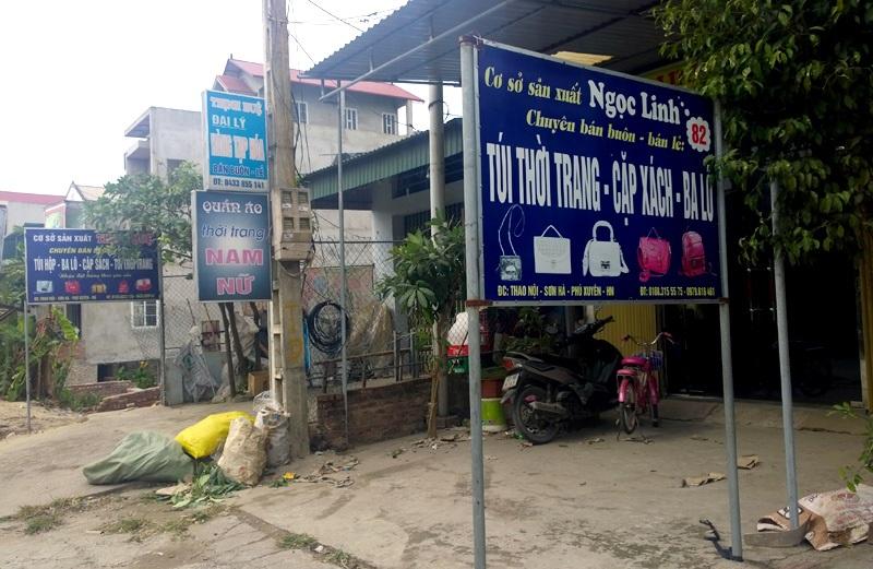 Những cửa hàng vừa sản xuất, vừa đổ buôn túi fake hàng hiệu giá chỉ vài chục nghìn ở Thao Nội