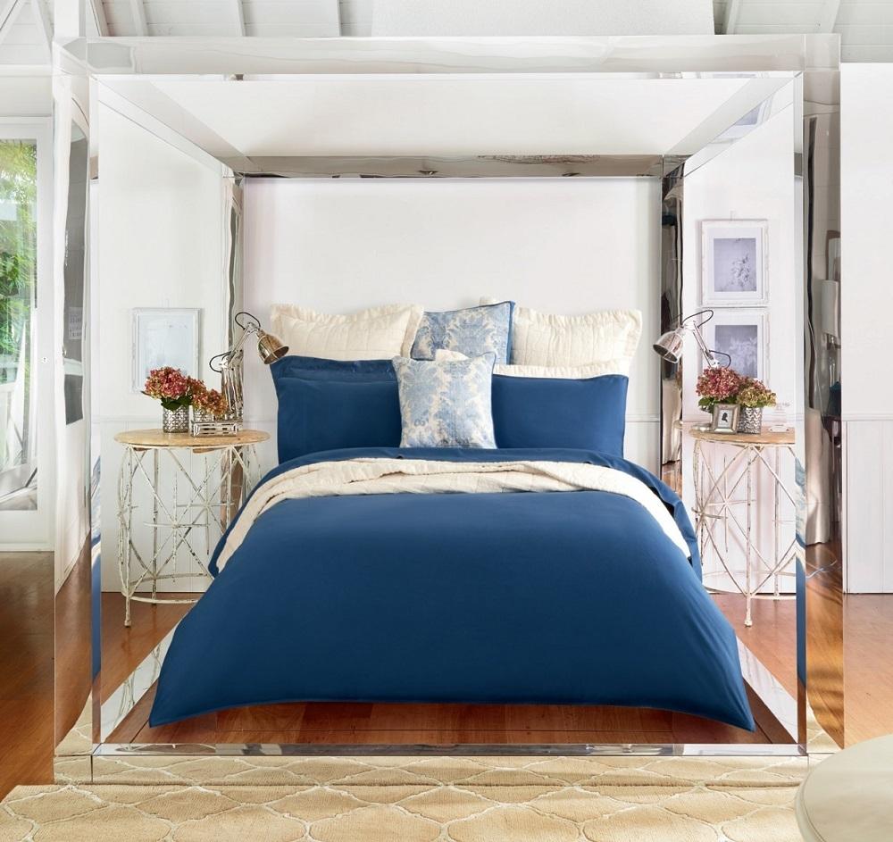 Mẫu drap màu xanh cobalt mang vẻ đẹp trẻ trung phóng khoáng và sang trọng hiện đại cho phòng ngủ.