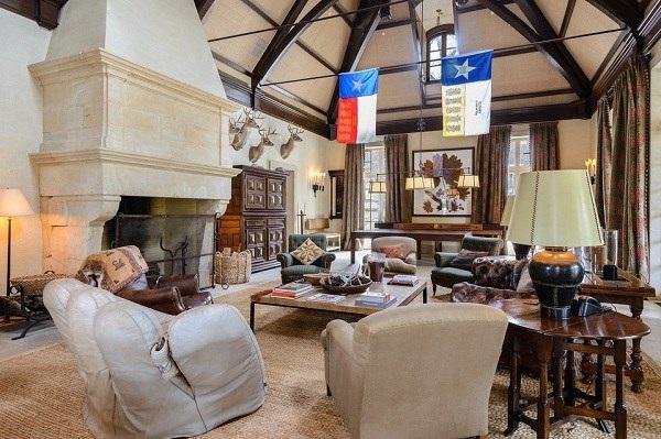 Tom Hicks rao bán ngôi biệt thự này với giá bán 100 triệu USD.
